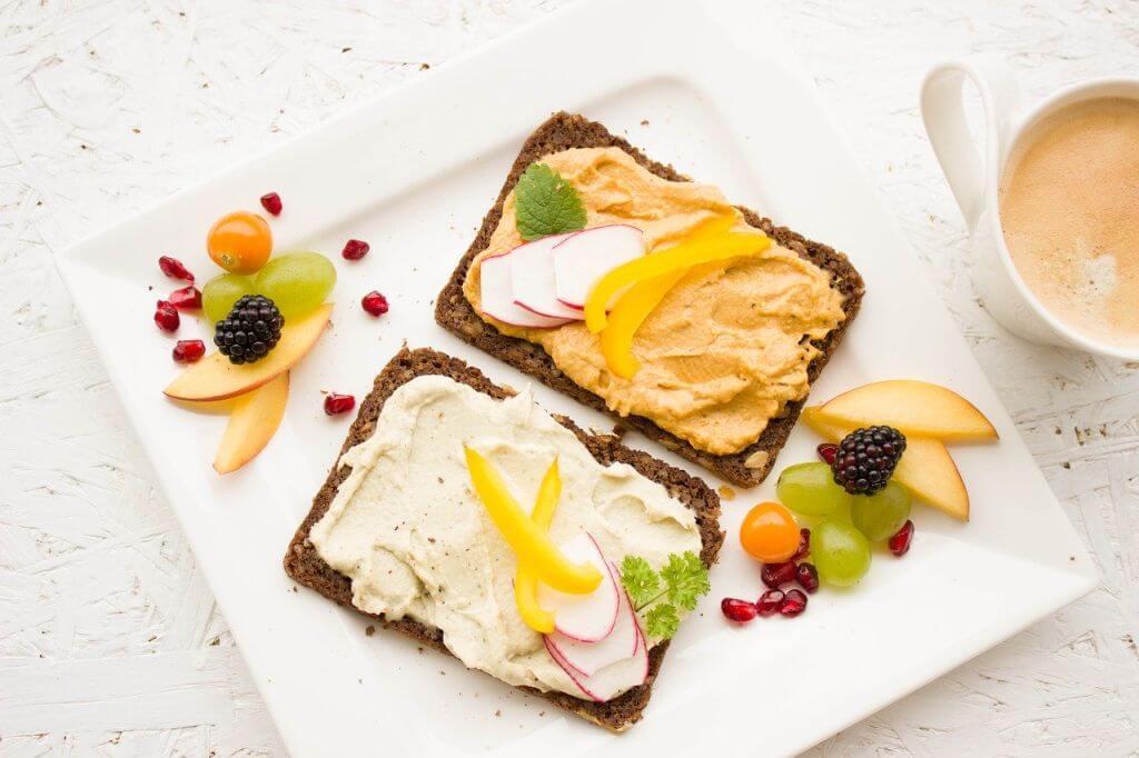 Zdrowe i pyszne pomysły na pożywne śniadanie