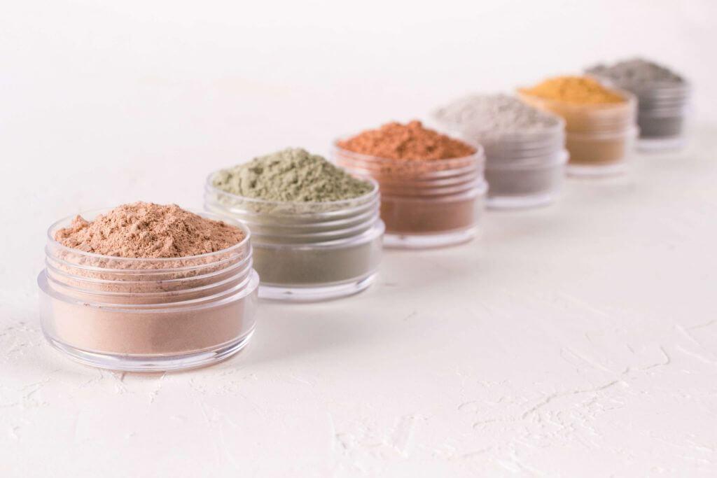 Glinka kosmetyczna - jej rodzaje i zastosowanie