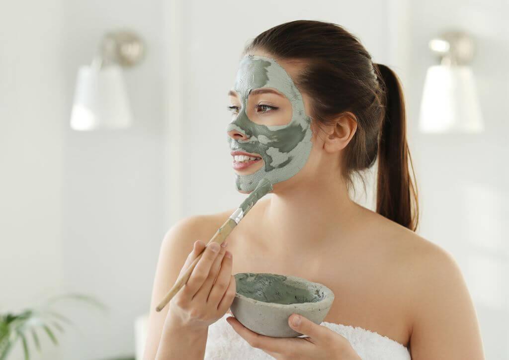 Glinka zielona - sposób na czystą i piękna skórę.