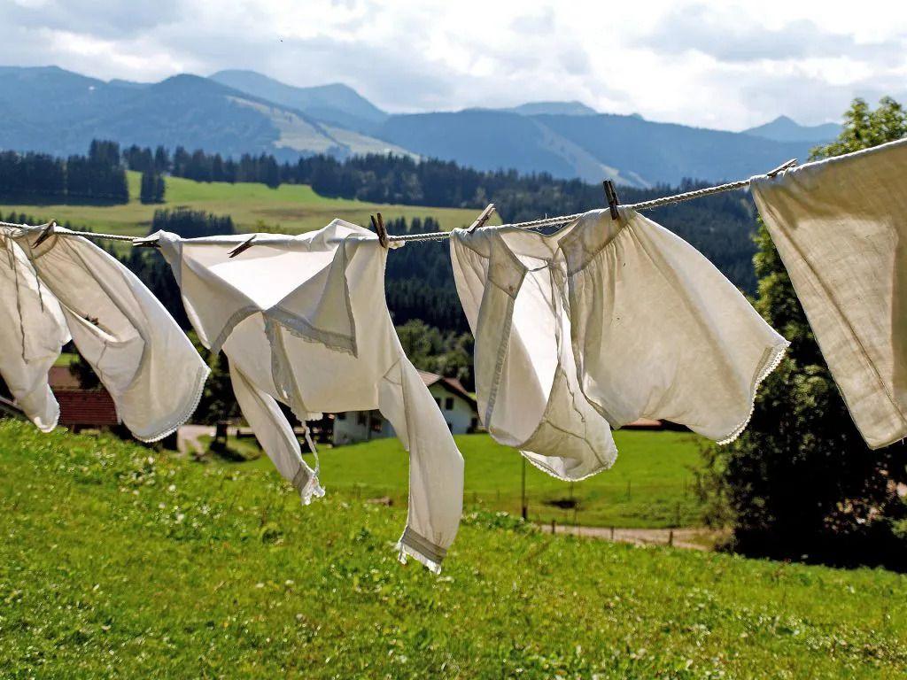 soda oczyszczona jako dodatek do prania, który odświeża i zmiękcza tkaniny